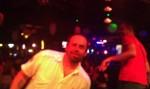 Goranito lud na kaubojsku muziku u saloonu